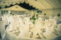 Tappningbrölloptabeller Royaltyfri Bild