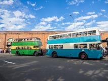 Tappningdubbeldäckarebussen för rundresan av CBDEN, fungerings av Sydney Bus Museum på drottningfödelsedag arkivfoto