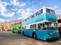Tappningdubbeldäckarebussen för rundresan av CBDEN, fungerings av Sydney Bus Museum på drottningfödelsedag arkivbilder