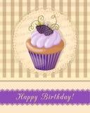 Tappningfödelsedagkort med blåbärmuffin på servett Royaltyfria Foton