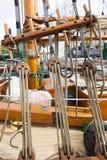 Tappningfartyg anslutas på Victoria Classic Boat Festival Arkivbilder