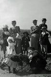 Tappningfoto 1901 som semestrar familjen på stranden, Aberystwyth, Wal Arkivfoton