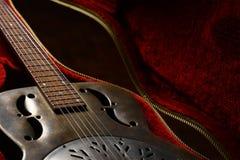 Tappninggitarr i fall att royaltyfri bild