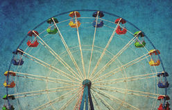 Tappninggrungebakgrund med ferrishjulet Royaltyfri Bild