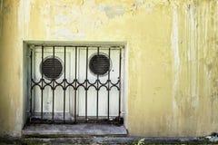Tappninggrungetextur av väggen, blöder av målarfärg fotografering för bildbyråer