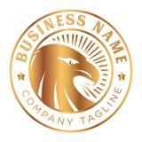 Tappningguld Eagle Emblem Logo royaltyfri bild