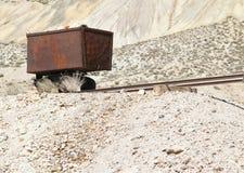Tappningguld & silvermalmvagn Royaltyfri Fotografi