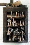 Tappninghjälpmedel för att arbeta med trä Arkivbild