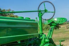 Tappninglantgårdtraktor Royaltyfri Fotografi