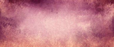 Tappninglila- och rosa färgbakgrund på urblekt beigapapper med grunge texturerade gränser med skalningsmålarfärg royaltyfri illustrationer
