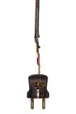 Tappningmaktpropp med bruten kabel som isoleras på vit Arkivbild