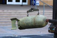 Tappningmilitären bombarderar sprängmedlet Royaltyfri Fotografi
