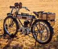 Tappningmoped/motorcykel Fotografering för Bildbyråer