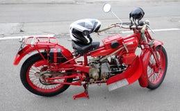 Tappningmotorcykel Royaltyfri Foto
