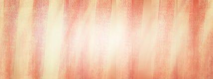 Tappningrosa färger och krämbakgrund i randig design med textur Royaltyfria Foton