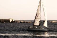 Tappningsegelbåt Arkivfoton