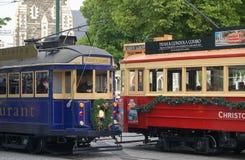 Tappningspårvagnar med julgarnering i Christchurch Fotografering för Bildbyråer