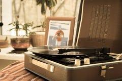 Tappningspelaren av vinylrekord Arkivfoto