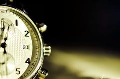 Tappningstil av lyxiga män klocka, begrepp av numret i klocka Royaltyfria Foton