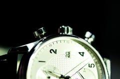 Tappningstil av lyxiga män klocka, begrepp av numret i klocka Arkivbilder