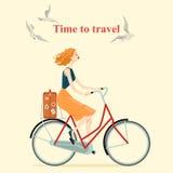 Tappningstilflicka som rider en cykel Royaltyfri Bild