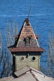 Tappningtorn på en bakgrund av det blåa havet Royaltyfri Foto