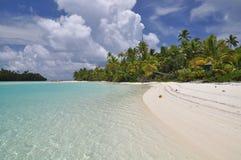 Tapuaetai (un'isola) del piede - laguna di Aitutaki Fotografie Stock Libere da Diritti