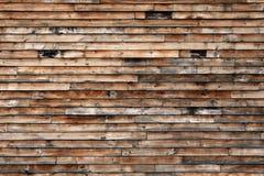 Tapume de madeira resistido fotos de stock