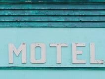 Tapume histórico azul esverdeado pintado da fachada do motel Foto de Stock Royalty Free