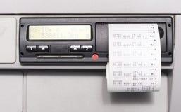 Taqueômetro de Digitas e cópia da hora de condução do dia Nenhuns dados pessoais foto de stock