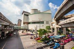 Taquet d'automobile sur une rue de Bangkok Photo libre de droits