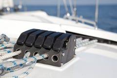 Taquet sur le bateau à voiles. Photos stock
