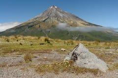 Taranaki火山在艾格蒙特国家公园 库存图片