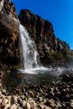 Taranaki cai córrego - parque nacional de Tongariro imagens de stock