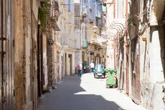 Taranto, Apulien - 31. MAI 2017 - Ureinwohner in den Straßen von lizenzfreies stockfoto