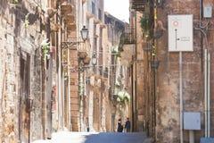Taranto, Apulien - mittlere gealterte Architektur in der alten Stadt von Ta lizenzfreies stockbild