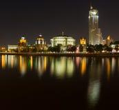 Taras Shevchenko Embankment-panorama bij nacht laat Mei royalty-vrije stock foto's