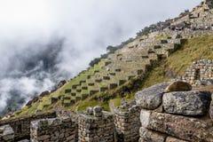 Tarasy przy Machu Picchu inka ruinami - Święta dolina, Peru Zdjęcia Royalty Free