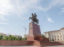 Taraz, il Kazakistan - 14 agosto 2016: Monumento o montata Baidibek immagine stock