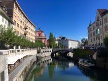 Tarde de la caída en el río de Ljubljana en Eslovenia Fotografía de archivo libre de regalías