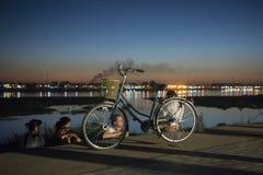 TARDE DE LAOS VIENTIÁN EL RÍO MEKONG fotografía de archivo libre de regalías