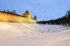 Tarde del invierno en Novgorod el Kremlin Imágenes de archivo libres de regalías