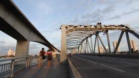 Tarde del puente que viaja en Bangkok metrajes