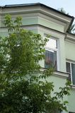 Tarde del verano en el distrito viejo de St Petersburg fotos de archivo