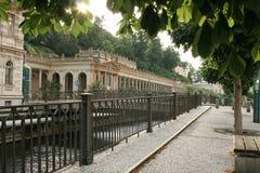 Tarde en Carlsbad - Karlovy varía, lugar famoso del balneario de Checo Fotografía de archivo libre de regalías