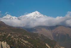 Tarde en las montañas. Nepal Foto de archivo