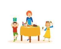 Tarde festiva, niños y madres de la diversión para la cena de gala Fotografía de archivo libre de regalías
