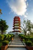 Tarde hermosa de la pagoda divina, jardín chino Imagenes de archivo