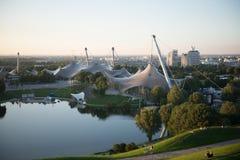 Tarde morna Olympia Park Munich do piquenique Fotografia de Stock