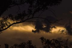 Tarde oscura. The clouds has a speaking, storm is near, colous, soon Royalty Free Stock Images